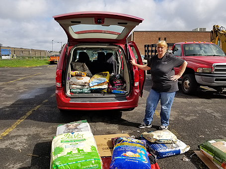 Dog food and cat food redonation, pet food donation, free pet food