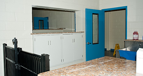 Kennel Laundry room